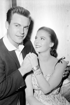 Natalie Wood and Robert Wagner......Uploaded By www.1stand2ndtimearound.etsy.com