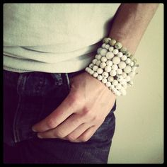 White variation of stones. From 12 to 15 € item