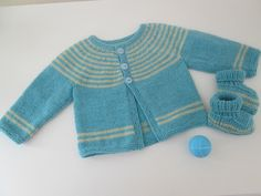 Vest and slippers 3 - 6 months - Knitwear Baby Cardigan, Cardigan Bebe, Crochet Baby, Free Crochet, Knit Crochet, Baby Knitting Patterns, Baby Patterns, Pull Bebe, Baby Booties
