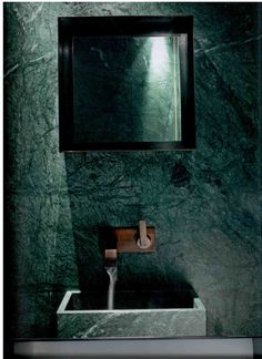 Green marble, luxury for bathroom and kitchen - In this article, we will show you green marble bathroom and kitchen ideas for this spring. Green Marble instantly provides an elegant feeling of luxury. Green Interior Design, Stone Interior, Bathroom Interior Design, Bad Inspiration, Bathroom Inspiration, Green Marble Bathroom, Bathroom Wall, Marble Bathrooms, Copper Bathroom
