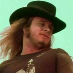 Yeah baby, now we're talkin'. THE Man, Mr. Rock And Roll Bands, Rock Bands, Ronnie Van Zant, Southern Men, Common People, Lynyrd Skynyrd, 29 Years Old, Great Bands, Classic Rock