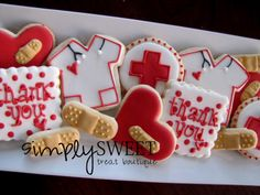 Thank You Cookies - these would make great gifts for anyone in the medical profession (nurses, doctors, etc)! Iced Sugar Cookies, Royal Icing Cookies, Cupcake Cookies, Cupcakes, Heart Cookies, Nurse Cookies, Cookie Decorating Icing, Thank You Cookies, Cookie Designs