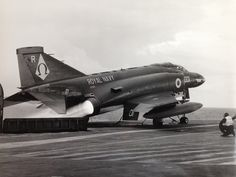 McDonnell Douglas the British Phantom. Ww2 Aircraft, Fighter Aircraft, Aircraft Images, Military Jets, Military Aircraft, Air Fighter, Fighter Jets, Royal Navy Aircraft Carriers, Hms Ark Royal