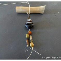 Collier sautoir en boutons et perles bois et verres dans les tons de marron