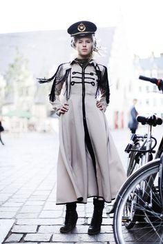 AMSTERDAM STYLE Amsterdam Street Style, European Travel, Street Style Women, Playground, Netherlands, Wanderlust, Characters, Outfits, Fashion