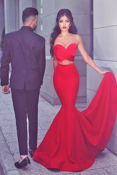 18 Engagement Dresses For Gorgeous Look ❤ See more: http://www.weddingforward.com/engagement-dresses/ #wedding #engagement #dresses
