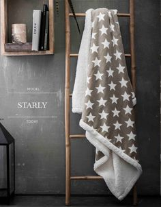 Béžové francouzské deky na sedačky s bílými hvězdami Ladder Decor, Blanket, Home Decor, Decoration Home, Room Decor, Blankets, Cover, Home Interior Design, Comforters