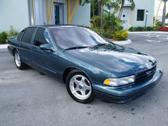 1996 Chevrolet Impala Pictures: See 183 pics for 1996 Chevrolet Impala. Browse interior and exterior photos for 1996 Chevrolet Impala. Chevy Impala Ss, Chevy Ss, Chevrolet Chevelle, Aussie Muscle Cars, American Muscle Cars, Gta, 1996 Impala Ss, Mercury Marauder, Sports Sedan