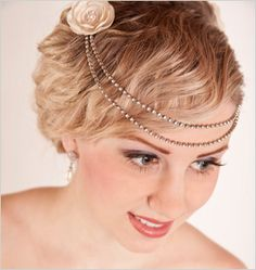 The vintage chic wedding hair accessories