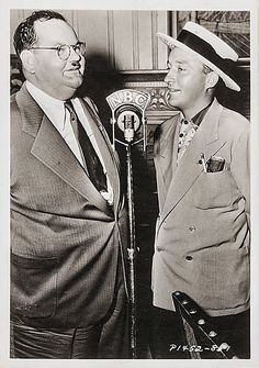 """Two golf pals on the radio: Oliver """"Babe"""" Hardy and Harry Lillis """"Bing"""" Crosby.  Late 1930's? but what NBC show?  Bing's?"""