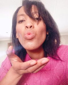 Big Kiss; Happy Weekend