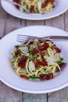 Linguine mit Prosciutto3.k Pasta, Mediterranean Recipes, Spaghetti, Chips, Healthy, Ethnic Recipes, Food, Kitchens, Linguine Recipes