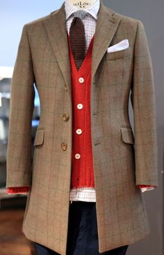 45b3645648b7 Knitted (tie and cardigan) paired with plaids (coat and shirt) / Punto