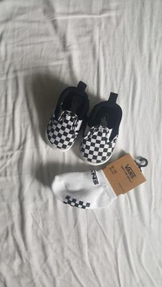 Online shopping for baby girl Buy newborn baby clothes B …- sh … - Babykleidung Best Baby Shoes, Cute Baby Shoes, Cute Baby Clothes, Hippie Baby Clothes, Baby Outfits Newborn, Baby Boy Outfits, Newborn Baby Girl Shoes, Kids Outfits, Vans Bebe