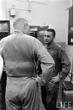 Gus Grissom, Project Mercury, Nasa History, Risky Business, Nasa Astronauts, Vintage Space, Space Program, Space Travel, Apollo