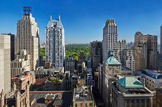 The 10 BEST Rooftops In NYC The Roof at the Viceroy A Central Park view — need we say more? This is another quintessential New York spot. Order a Manhattan. The Viceroy, 124 West Street (between Sixth and Seventh avenues); Nyc Hotels, Hotels And Resorts, Best Hotels, The Roof Nyc, Central Park, Ny Parks, Rooftop Bars Nyc, New York Penthouse, Empire State Of Mind