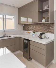 Ideas Kitchen Tiles Beige Cabinets For 2019 Kitchen Room Design, Kitchen Cabinet Design, Home Decor Kitchen, Interior Design Kitchen, Kitchen Furniture, Kitchen Modular, Modern Kitchen Cabinets, Small Modern Kitchens, Beautiful Kitchens
