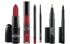 Now look at that Red. Ooooh Disney's Malificent MAC collection.  And the movie....can't wait!