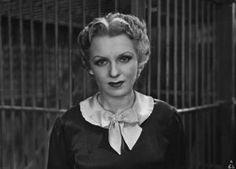 """Assia Noris in primo piano I Fotografia del film """"Darò un milione"""" - Regia Mario Camerini 1935."""