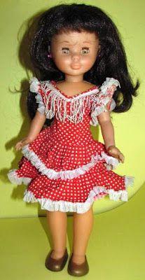 Yo fuí a EGB .Los años 60's y 70's.Los juguetes para niñas de los años 60 y 70. |yofuiaegb La EGB. Recuerdos de los años 60 y 70. Memories of 60's and 70's. Doll Costume, Vintage Toys, Dress Up, Summer Dresses, Dolls, People, Nostalgia, Style, Fashion