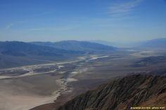 Vue sur la Vallee de Mort depuis Dantes View a 1700 m - Californie - USA