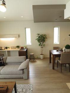 Loft, House Windows, Decoration, Future House, Home Office, Dining Bench, Tiny House, House Design, Interior Design