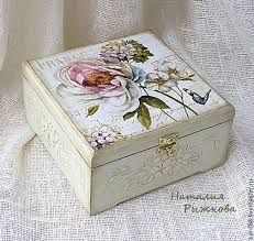 Resultado de imagem para decoupage box ideas Decoupage Vintage, Decoupage Box, Altered Boxes, Altered Art, Diy And Crafts, Arts And Crafts, Paper Crafts, Painted Boxes, Hand Painted