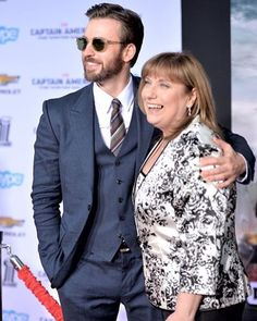 Happy Mother's Day . #ChrisEvans #LisaEvans #Chris #Evans #Cevans #TeamCevans #HappyMothersDay