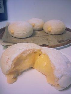 クリーム後入れ!絶品とろとろクリームパン Japanese Bakery, Japanese Bread, Sweets Recipes, Bread Recipes, Cooking Recipes, Donuts, Cooking Bread, Bread Cake, Asian Desserts
