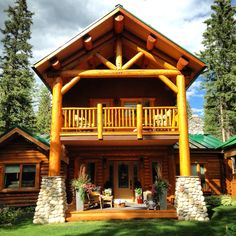 Wooden bungalow I for 2 rock climbers JoSiTo Guesthouse & Camp Guest House Plans, Cabin Plans, Small Sitting Areas, Mountain Living, Mountain Cabins, Mountain Homes, Cast Iron Tub, Fish Creek, Guest Cabin