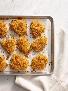 Forget chicken nuggets… this baked chicken recipe is a genuine crowd pleaser. Crispy Baked Chicken, Breaded Chicken, Baked Chicken Recipes, Turkey Recipes, Fried Chicken, Chicken Nuggets, Chicken Receipe, Cooked Chicken, Chicken And Biscuits