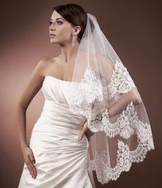 Voile de mariée tulle italien ivoire ou blanc et bordure en dentelle Aglaya