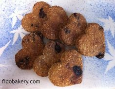 This healthy dog biscuit recipe uses ingredients such as oats, blueberries and flaxseed meal. It is easy to make, healthy, and delicious!