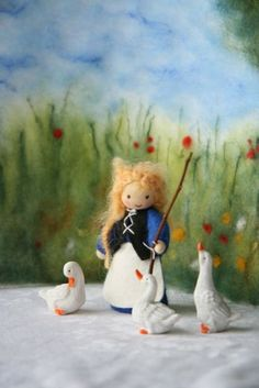 Goose Girl / Goose Lizzy / Waldorf inspired for by elfenwiege Wet Felting, Needle Felting, Natural Toys, Nature Table, Forest Friends, Wooden Pegs, Waldorf Dolls, Dollhouse Dolls, Imaginative Play