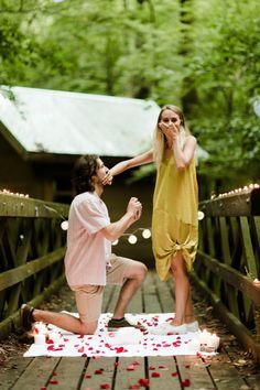 Capture the Surprise! 25 Romantic Proposal Photos That Show Authentic Love! Romantic Ways To Propose, Romantic Proposal, Proposal Photos, Perfect Proposal, Proposal Ideas, Surprise Proposal Pictures, Romantic Weddings, Love Proposal, Beach Proposal