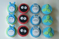 Coco Cake Cupcakes--Vancouver BC by Lyndsay Sung: totoro cake - The soot sprite ones would be super easy/cute! 1st Birthday Parties, Girl Birthday, Birthday Ideas, Fondant Cakes, Cupcake Cakes, Cupcake Ideas, Cup Cakes, Totoro, Cake Land