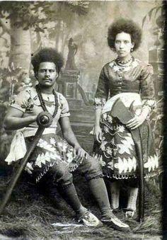 Fijian cannibals in PT Barnum's Circus, Carte de visite photograph, c Pt Barnum Circus, Melanesian People, Fiji People, Fiji Culture, Anthropologie, Coloured People, The Greatest Showman, Ocean Art, Ancient Art