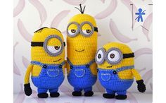 Free Crochet Pattern Collection All The Best Ideas You'll love these Crochet Minions and they're all FREE Patterns. Check out the Minion Cushions too!You'll love these Crochet Minions and they're all FREE Patterns. Check out the Minion Cushions too! Crochet Diy, Crochet Crafts, Crochet Dolls, Diy Crafts, Crochet Ideas, Minion Crochet Patterns, Minion Pattern, Amigurumi Patterns, Knitting Patterns