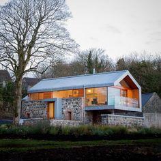 Сарай Loughloughan (Loughloughan Barn) в Северной Ирландии от McGarry-Moon Architects.
