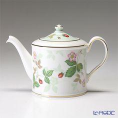 Wedgwood Wild Strawberry Japanese Small teapot