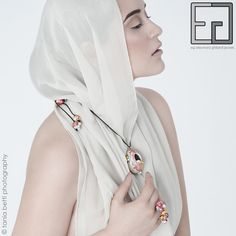 PEARL-CELAIN COLLECTION porcelain, engobes, gold necklace and ring