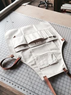 Workwear / Apron on Behance Sewing Aprons, Sewing Clothes, Diy Clothes, Fabric Crafts, Sewing Crafts, Sewing Projects, Woodworking Projects, Unique Woodworking, Woodworking Shop
