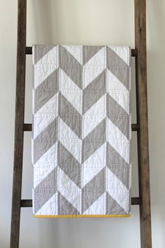 Gorgeous.  From: craftyblossom: modern quilt