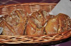 M Ň A M O T Y: Kváskové dalamánky Czech Recipes, Bread, Baking, Salt, Pizza, Food, Polish, Vitreous Enamel, Brot