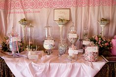 Pink vintage candy bar totally will be a part of my one day wedding lol :)