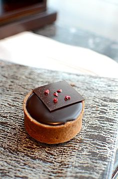 Chocolate framboise tart,Manjari chocolate 64% cocoa @ Chocolate Library (Hong Kong)  ♥ Chocolate