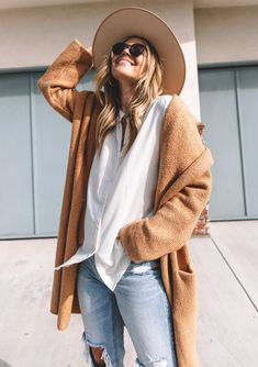Classy Outfits, Stylish Outfits, Fashion Outfits, Women's Fashion, Fashion Clothes, Fashion Coat, Fashion Jewelry, Travel Outfits, Fashion Belts