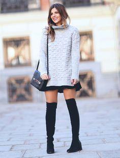 OTK over the knee com suéter