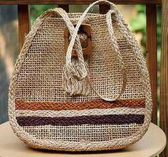 Vintage Handbags - straw tote