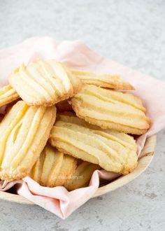 Cookie Desserts, No Bake Desserts, Cookie Recipes, Snack Recipes, Snacks, Beignets, Dutch Recipes, Sweet Recipes, A Food